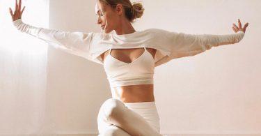 pozitii de yoga care-ti schimba starea de spirit