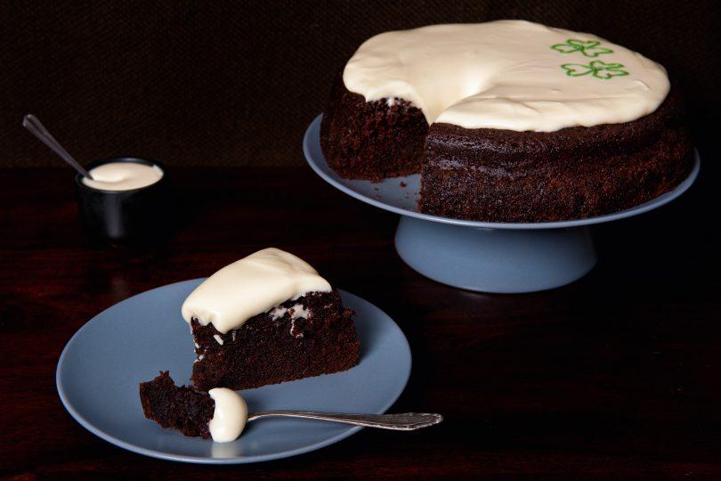 tort cu ciocolata si bere