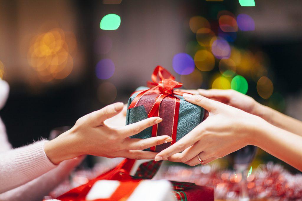cadou pentru om datând)